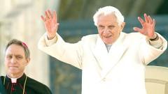 Benedicto XVI será Papa emérito y no regresará a la vida privada.
