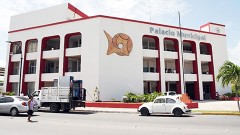 A decir del regidor petista, en el 2012 inició el colapso financiero del ayuntamiento chetumaleño.