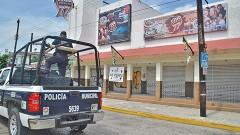 Policías preventivos incumplen sus funciones en este destino turístico.