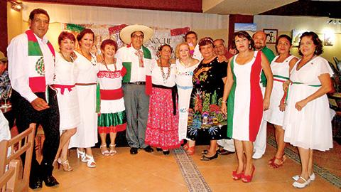 82423bfa3 Los Amigos del Danzón celebraron una noche mexicana