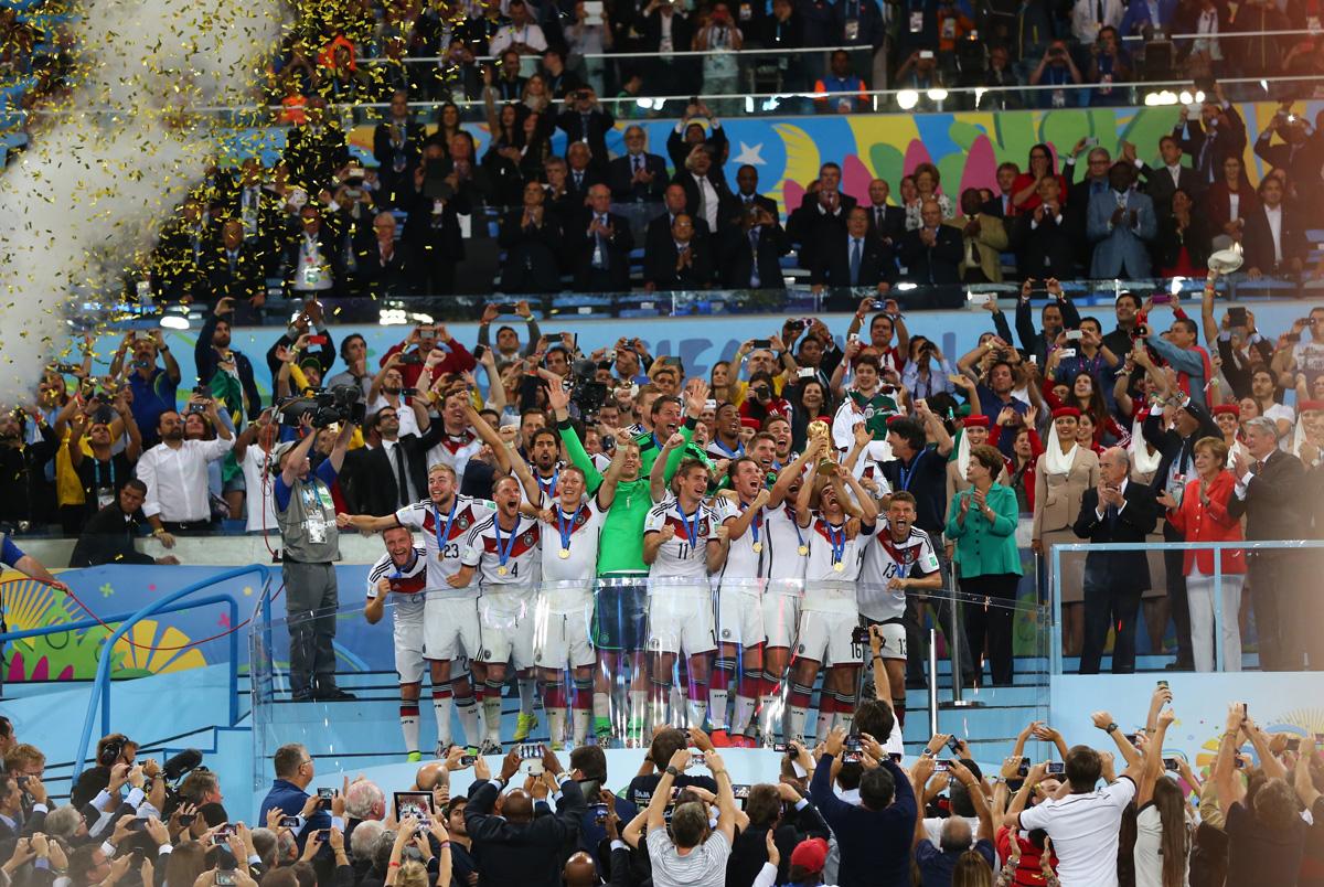 El equipo alemán celebra su triunfo en la Copa del Mundo Brasil 2014. (Foto de Martin Rose/Getty Images for Sony)
