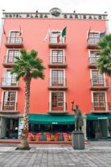 Vista del hotel en la Plaza Garibaldi.