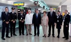 En la inauguración del vuelo de Panamá a Santa Clara.