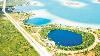 Existe la promesa de la Secretaría de Ecología y Medio Ambiente de otorgar recursos para que más casas de Bacalar se conecten al drenaje.